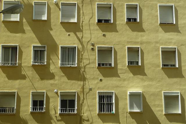 mříže na oknech